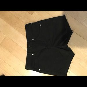 "Banana Republic high rise black jean 3"" short 25P"